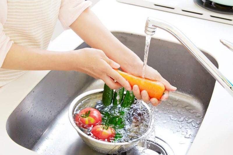 Nguồn nước tinh khiết giàu Hydro, khoáng chất giúp làm sạch rau, củ, quả và loại bỏ hóa chất độc hại
