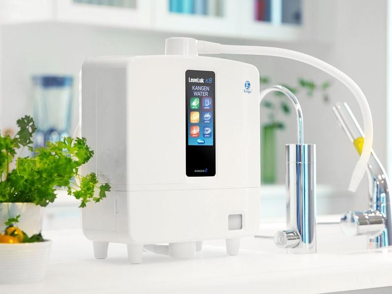 Thiết kế cực kỳ nhỏ gọn nhưng sử dụng công nghệ lọc cực kỳ hiệu quả mang đến nước sạch cho gia đình