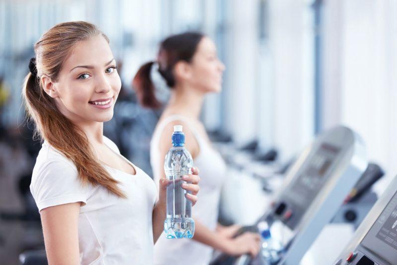Những ưu nhược điểm của nước ion đóng chai bạn cần nhớ