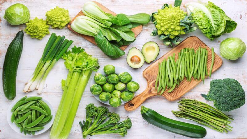 Rau xanh là thực phẩm giàu tính kiềm giúp chống oxy hóa và trung hòa axit trong dạ dày hiệu quả