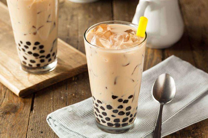 Trà sữa là một trong những loại đồ uống được giới trẻ yêu thích