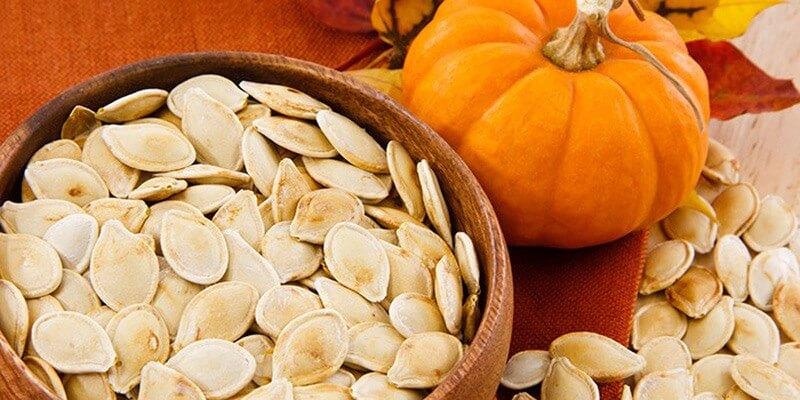 Hạt bí ngô được đánh giá có tính kiềm cao nhất trong các loại hạt giúp trung hòa axit tốt hơn