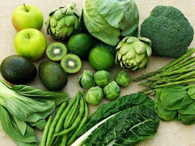 Tăng cường rau xanh và các thực phẩm giàu tính kiềm sẽ giúp cơ thể cân bằng độ pH tốt hơn