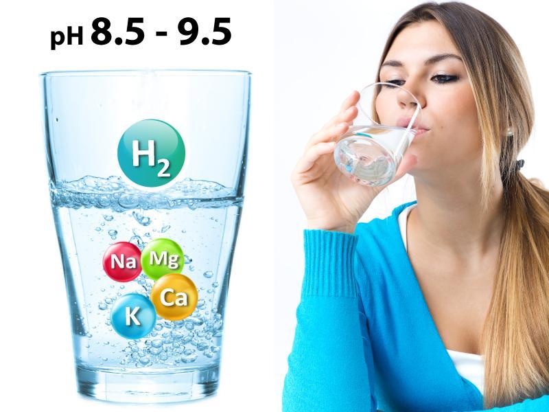 Bạn nên dùng nước ion kiềm có độ pH từ 8.5 - 9.5