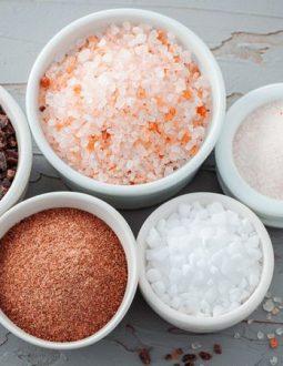 Bổ sung quá nhiều muối trong chế độ ăn hàng ngày làm tăng nguy cơ mắc bệnh tim mạch, thận
