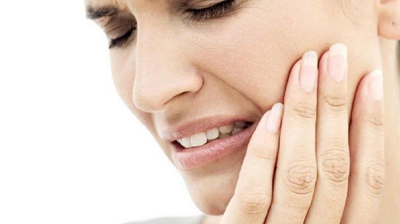 Cần thăm khám định kỳ và vệ sinh răng miệng thường xuyên