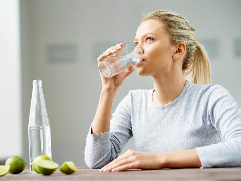 Nước ion kiềm giúp trung hòa axit trong cơ thể và phòng bệnh hiệu quả