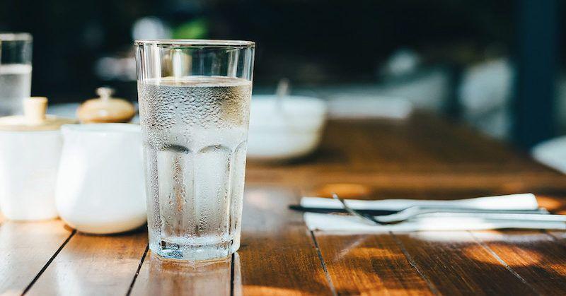Nước có tính axit là gì, tác động của nó đối với sức khỏe là như thế nào?