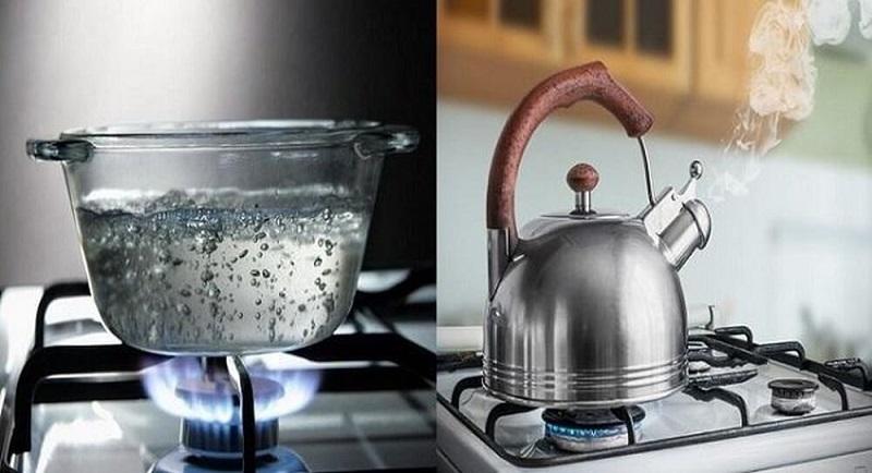 Đun sôi nước là cách đơn giản giúp làm mềm nước