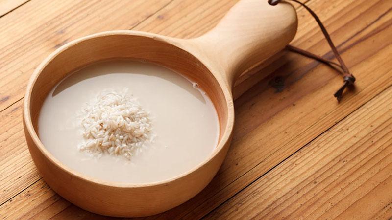 Nước cháo loãng giúp bổ sung muối natri, rút ngắn thời gian hồi phục bệnh