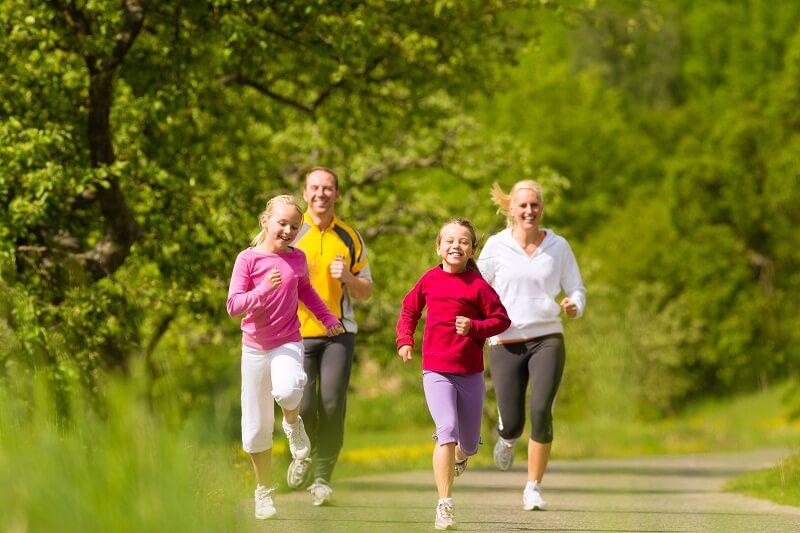 Tăng cường vận động sẽ giúp cơ thể dẻo dai, tăng sức đề kháng tốt hơn