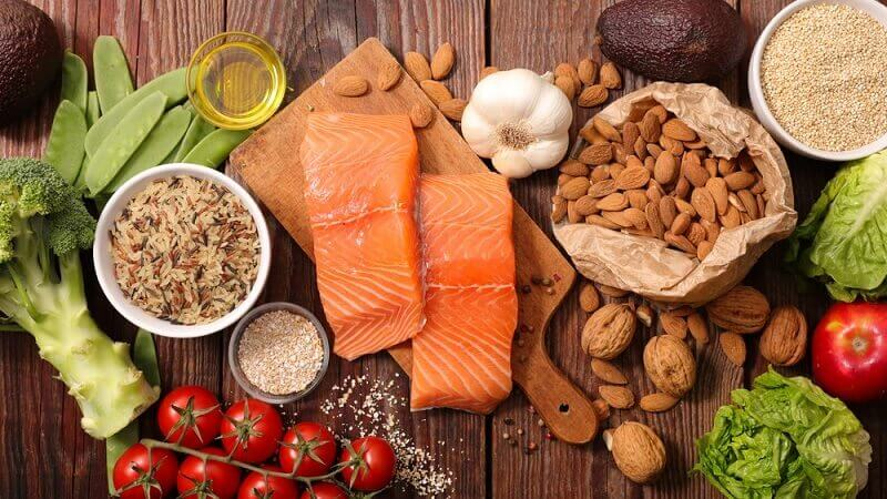 Xây dựng chế độ dinh dưỡng hợp lý với các nhóm thực phẩm giàu Vitamin và khoáng chất thiết yếu cho cơ thể khỏe mạnh