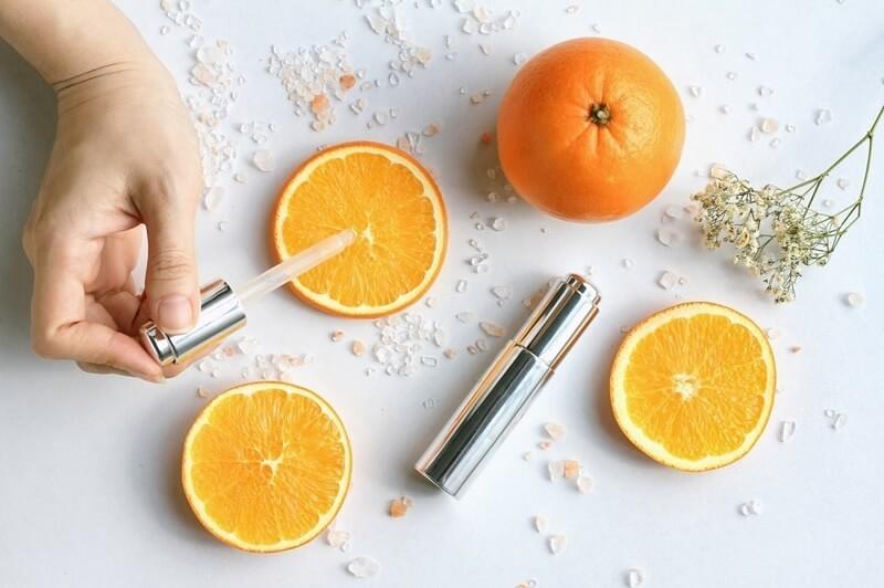Bổ sung các loại thực phẩm chức năng giàu Vitamin C giúp tăng sức đề kháng cho người lớn và chống lão hóa