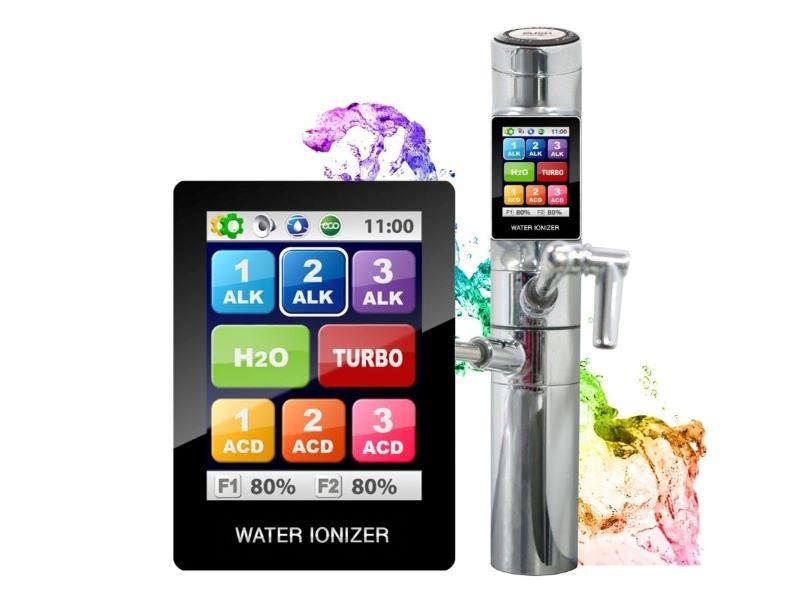 Tyent Uce 9000T có màn hình cảm ứng hiển thị giống như một chiếc Smart Phone, đem đến trải nghiệm thú vị cho người dùng