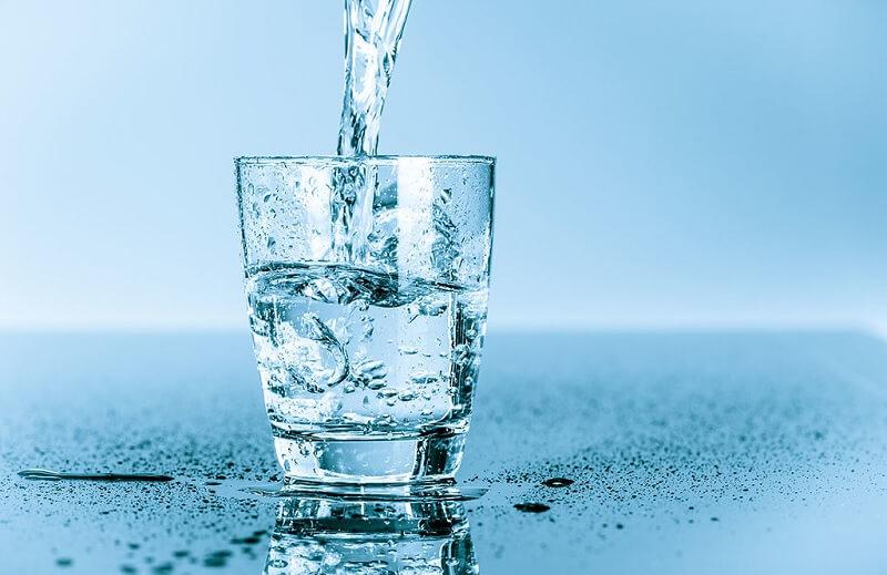 Uống nước ion kiềm mỗi ngày để giúp tăng cường đề kháng, bổ sung vi khoáng tự nhiên cho cơ thể