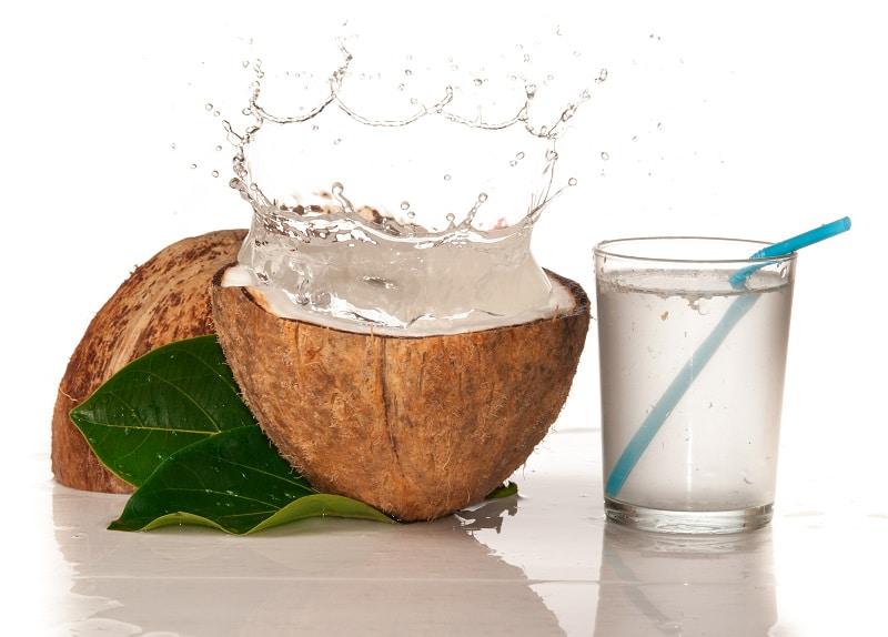 Hàm lượng kali có trong nước dừa tươi cao hơn gần gấp đôi bình thường nên rất tốt cho sức khỏe